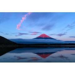 素晴らしすぎて見惚れてしまう赤富士